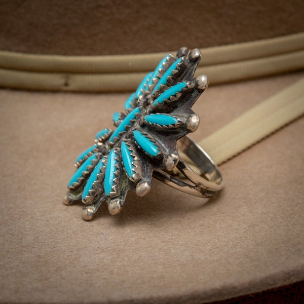 "Image of Vintage Zuni Petit Point Starburst Flower Ring signed by Zuni Silversmith ""CJ ""Size 7"