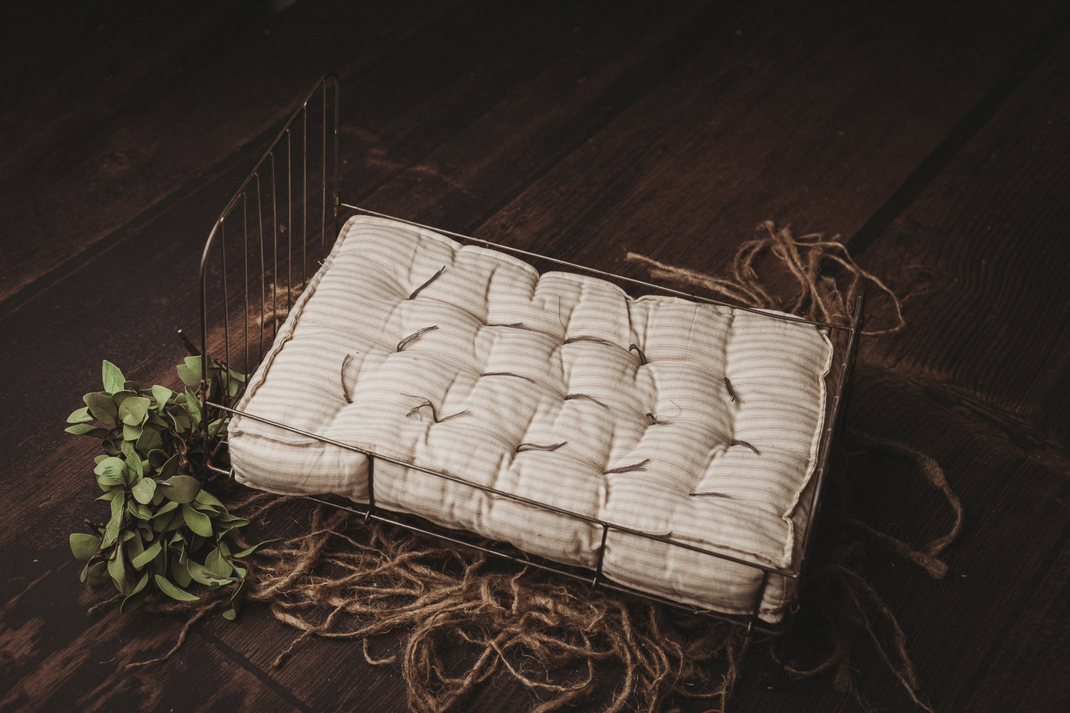 Image of Vintage Wire Bed