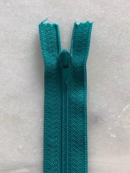 Image of Plastik lynlås 30 cm - stærk grøn