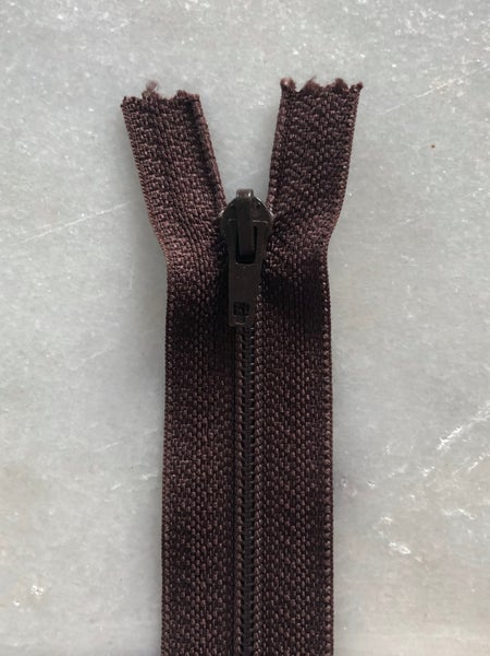Image of Plastik lynlås 30 cm - mørkebrun