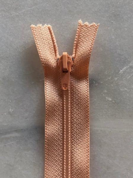 Image of Plastik lynlås 30 cm - laks