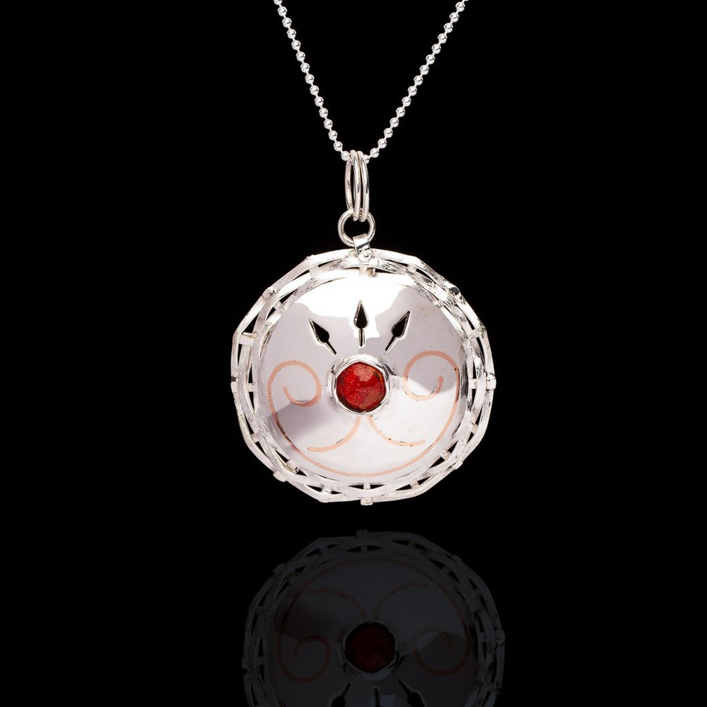 Image of Kisus Double Curve pendant