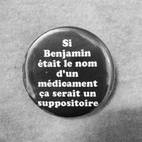 Image of badge wayne's world - suppositoire