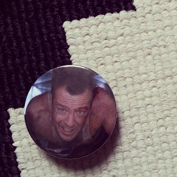 Image of badge piège de cristal - die hard - john mc clane
