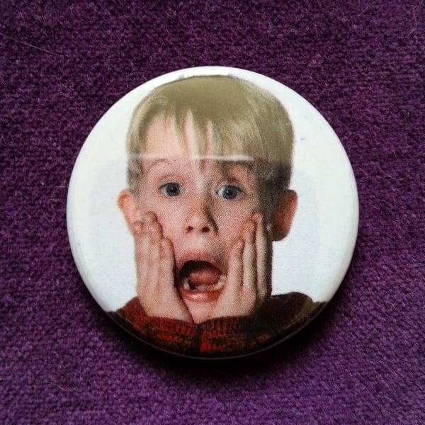 Image of badge maman j'ai raté l'avion - home alone - kevin