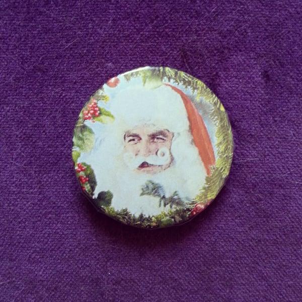 Image of badge santa magnum