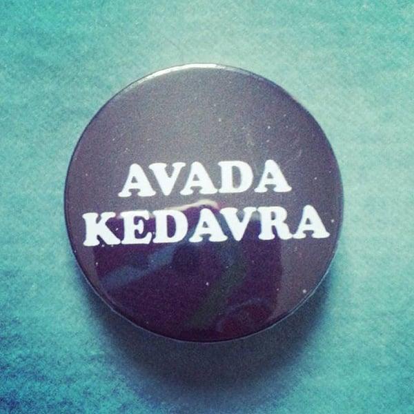 Image of badge harry potter - avada kedavra