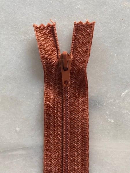 Image of Plastik lynlås 30 cm - rust