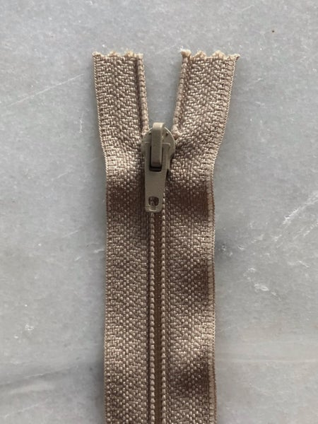 Image of Plastik lynlås 30 cm - beige