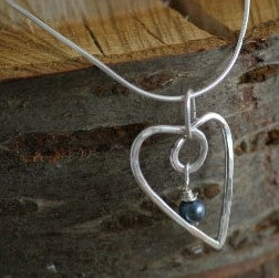 Image of Silver wire heart with Freshwater pearl