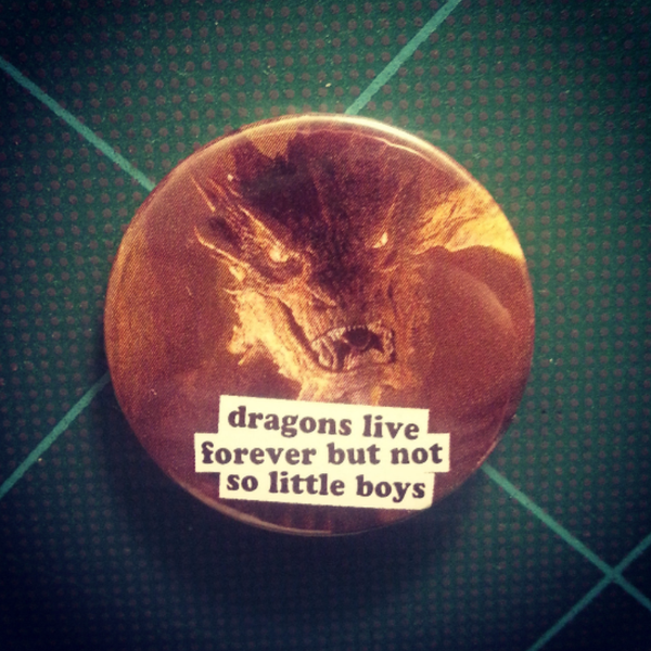 Image of badge le seigneur des anneaux - lord of the rings - smaug