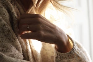 Image of 18ct Gold 4.7mm rose-cut white diamond Hexagonal set ring IOW167