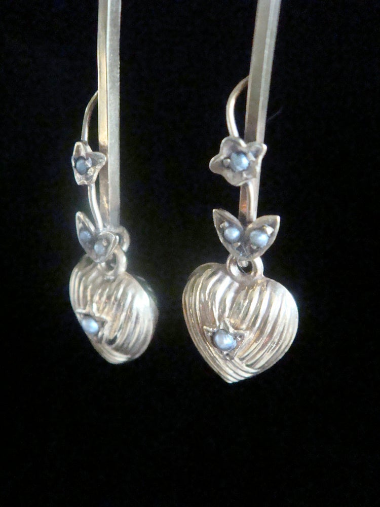 Image of EDWARDIAN VICTORIAN 9CT YELLOW GOLD PUFF HEART SEED PEARL DROP EARRINGS