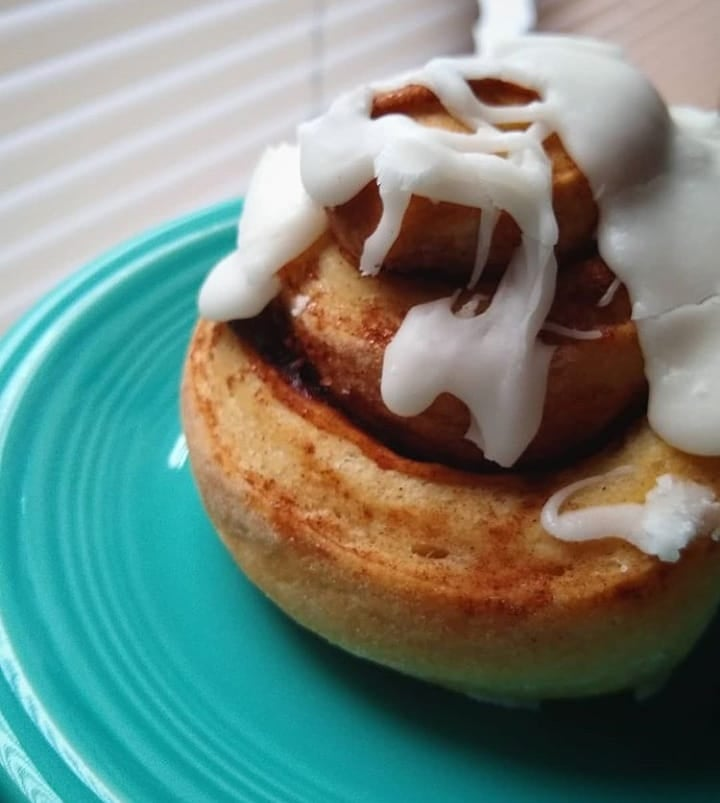 DELIVERY: DOZEN NATURALLY LEAVENED VEGAN BRIOCHE CINNAMON ROLLS