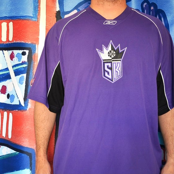Image of Vintage 2000's Sacramento Kings Reebok Warm Up Shooting Shirt Sz.XL
