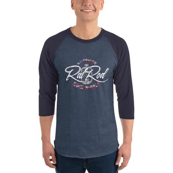 Image of 3/4 sleeve raglan shirt