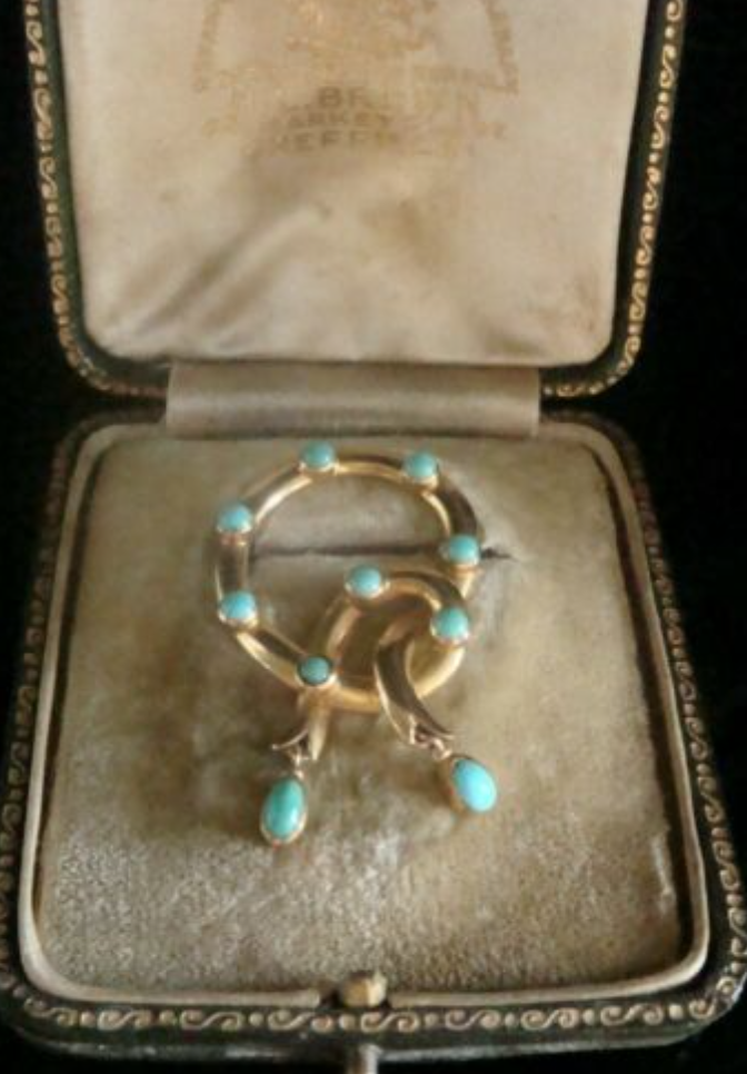Image of VICTORIAN ORIGINAL 18CT NATURAL TURQUOISE LOVERS KNOT IN ORIGINAL FITTED BOX