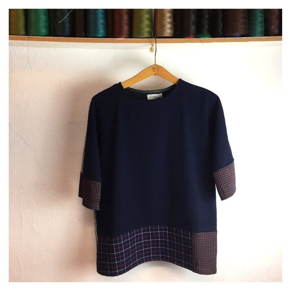 Image of blue quaderno top