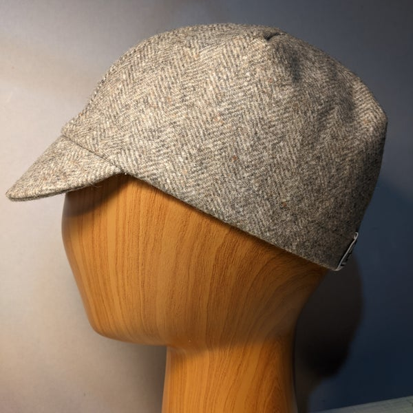 Image of Tweed cycling cap - grey Welsh wool