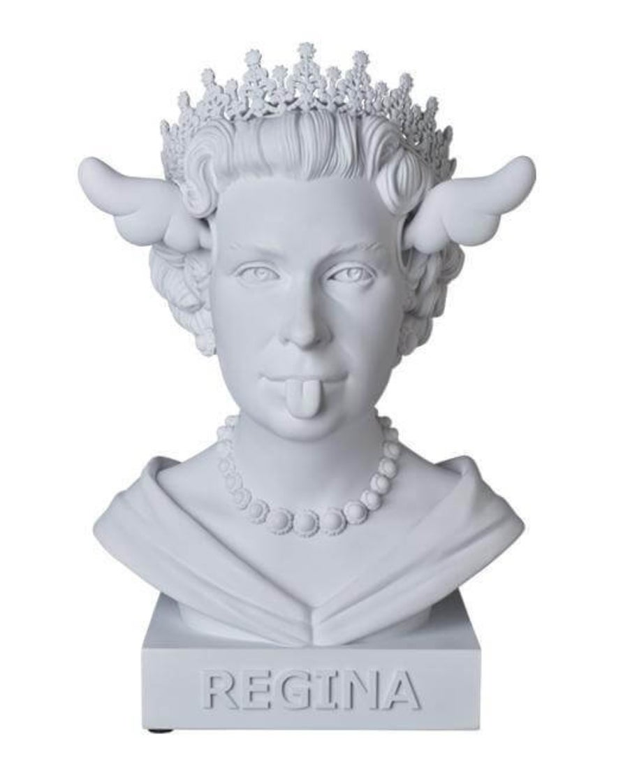 """Image of DFACE """"DOG SAVE THE QUEEN"""" - POLYSTONE SCULPTURE - 40CM, 5KG"""