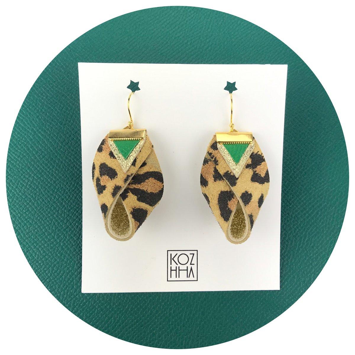 Boucle d'oreilles léopard / vert et doré