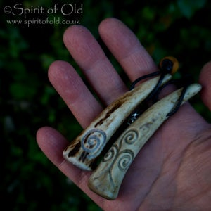 Image of Deer antler spiral pendants (PE1401)