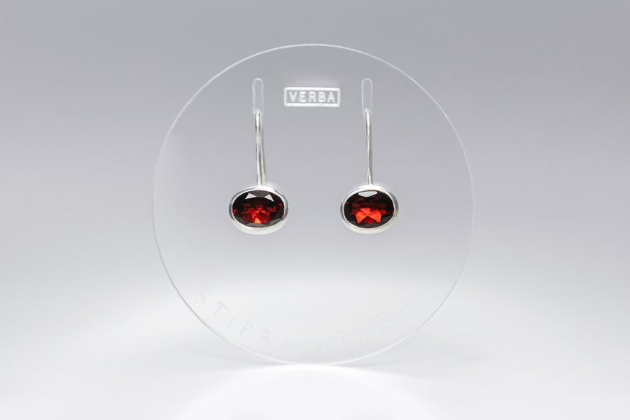 "Image of ""To love deeply"" silver earrings with garnets · ARTE DILIGERE ·"