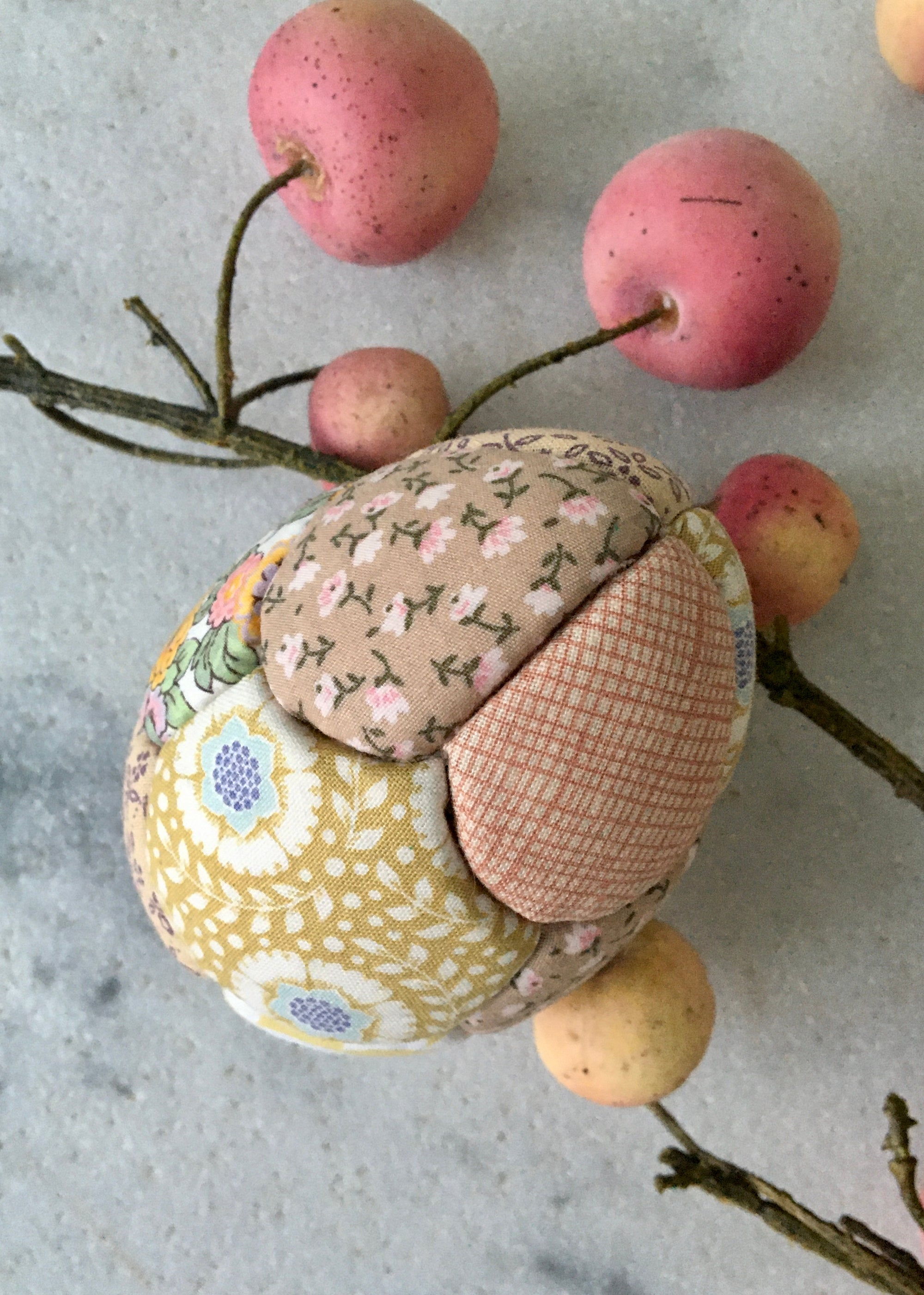 Image of Easter Egg Yellow/Rose (patchwork)