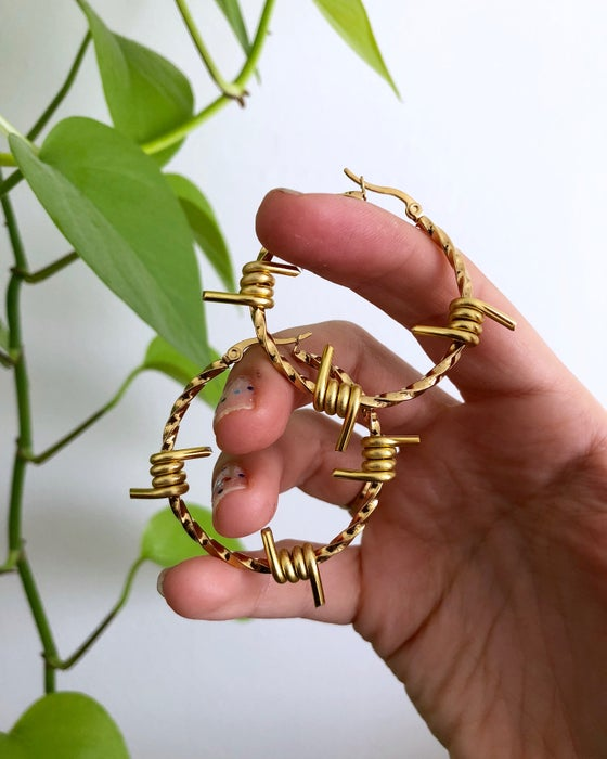 Image of BARBED WIRE TWIST HOOPS