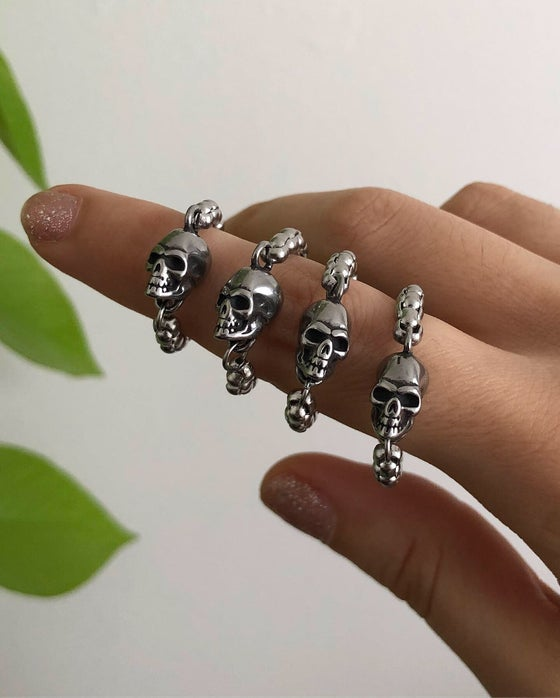 Image of SKULL CHAIN RING