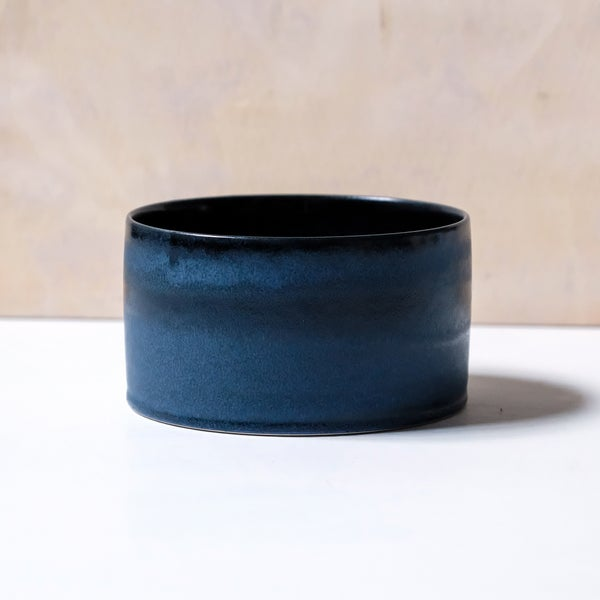 Image of UNIKA CYLINDER BOWL IN MIDNIGHT BLUE GLAZE