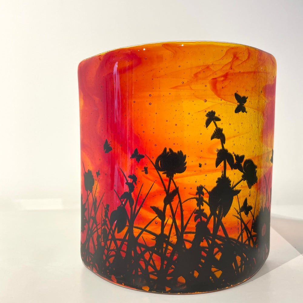 Image of Spring sunset free standing curve