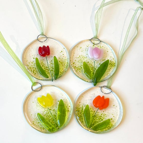 Image of Tulip suncatcher