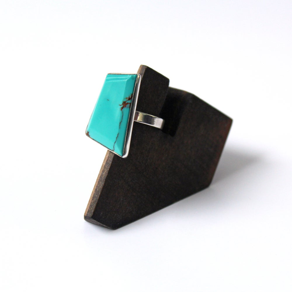 Faceted Kingman Turquoise Sterling Silver Ring - Size 6.5