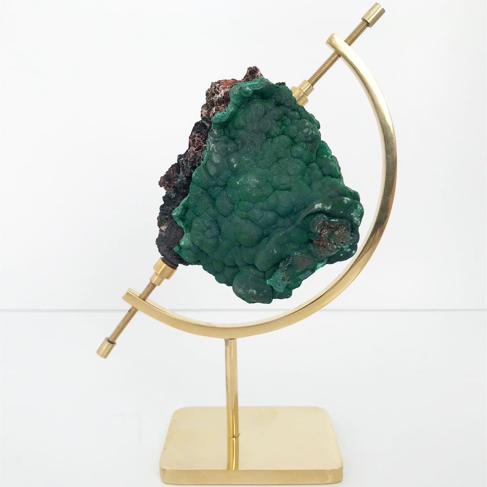 Image of Fibrous Malachite no.90 + Brass Arc Stand