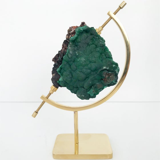 Image of Fibrous Malachite no.90 + Brass Arc Stand