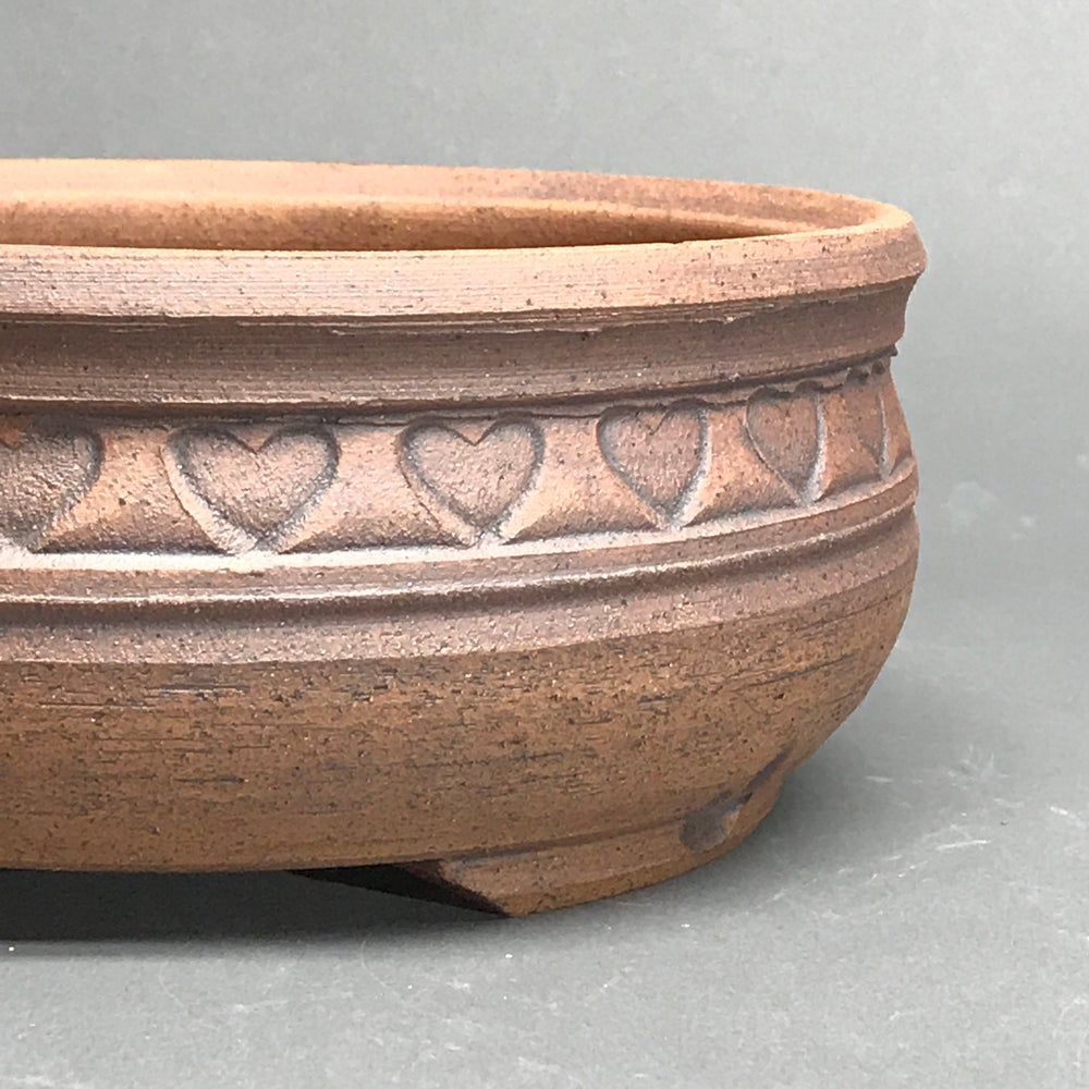 Image of 338 Unglazed Banded Rouund with Hearts