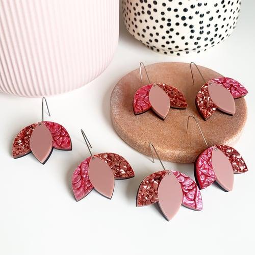 Image of Tulip Drop Dangles: Pinks