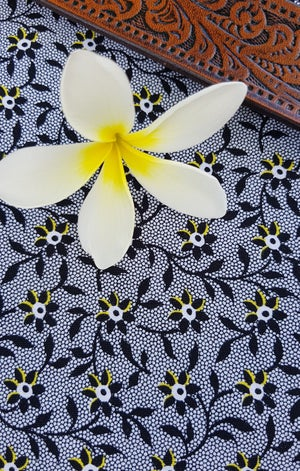 Image of Lace Daisies in Ahsleigh Design