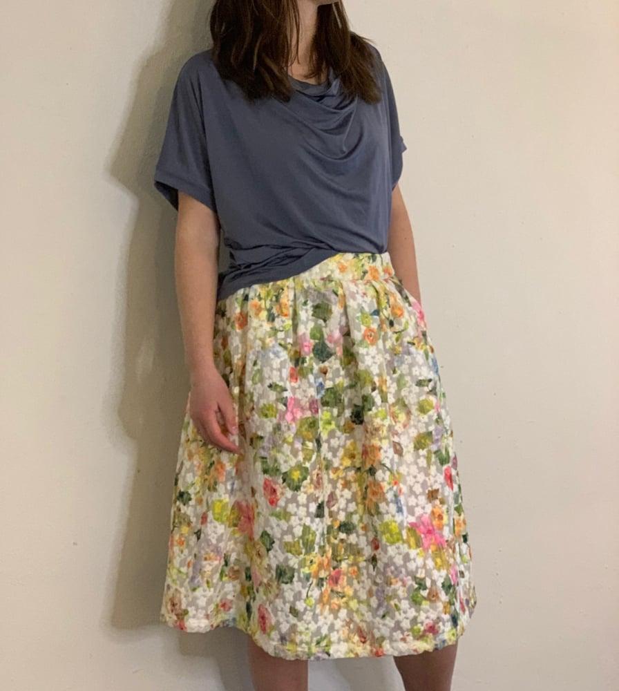 Image of Blomstret sommer nederdel