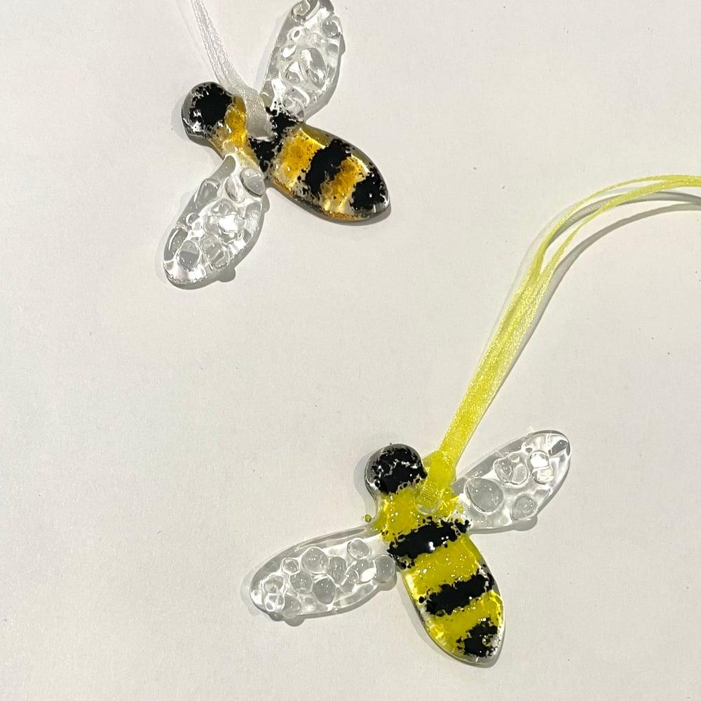 Image of Tiny bumblebee suncatchers