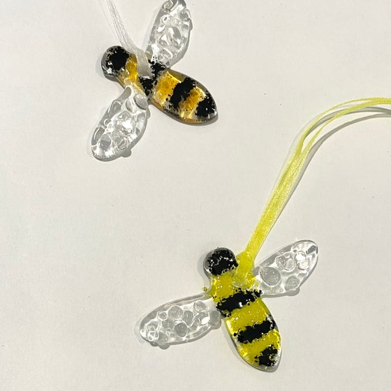 Image of Tiny bumblebee suncatchers