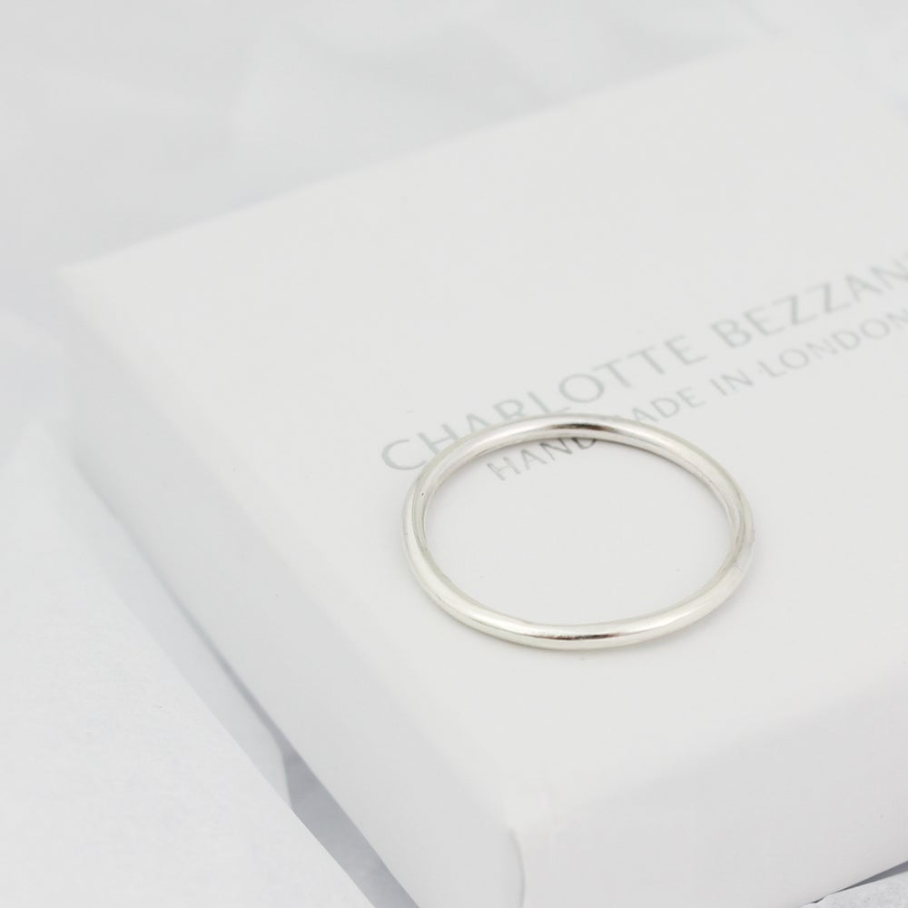 Image of Teeny silver ring