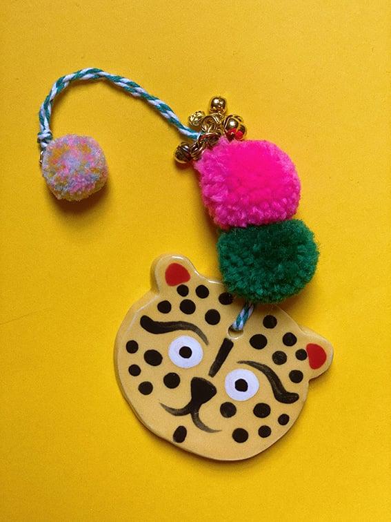 Image of Cheetah ceramic amulet