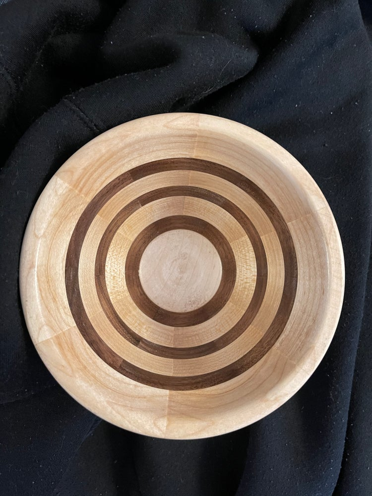 Image of Segmented bowl/pot
