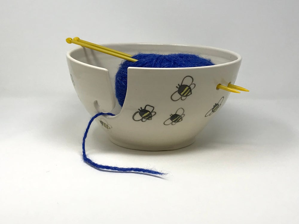 Image of XL Bee decorated Yarn Bowl