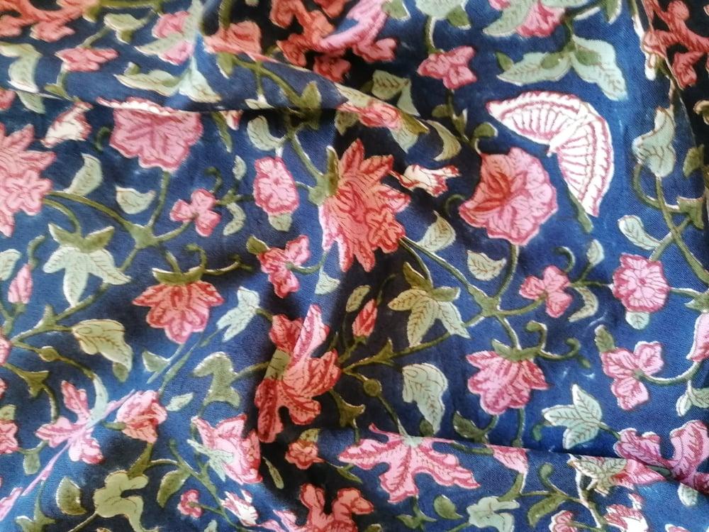 Image of Namasté fabric papillons fond bleu marine