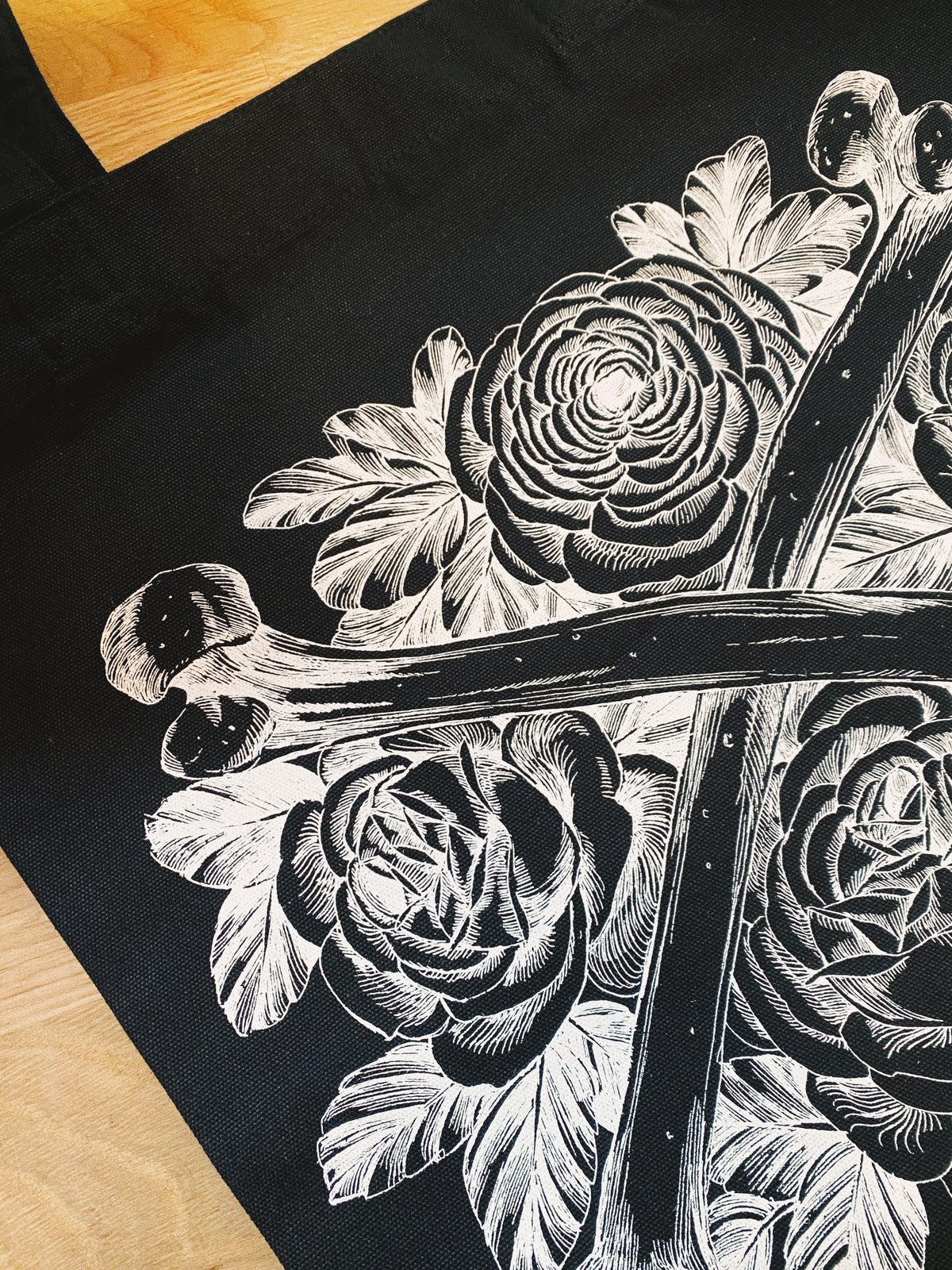 Bones and flowers Tote