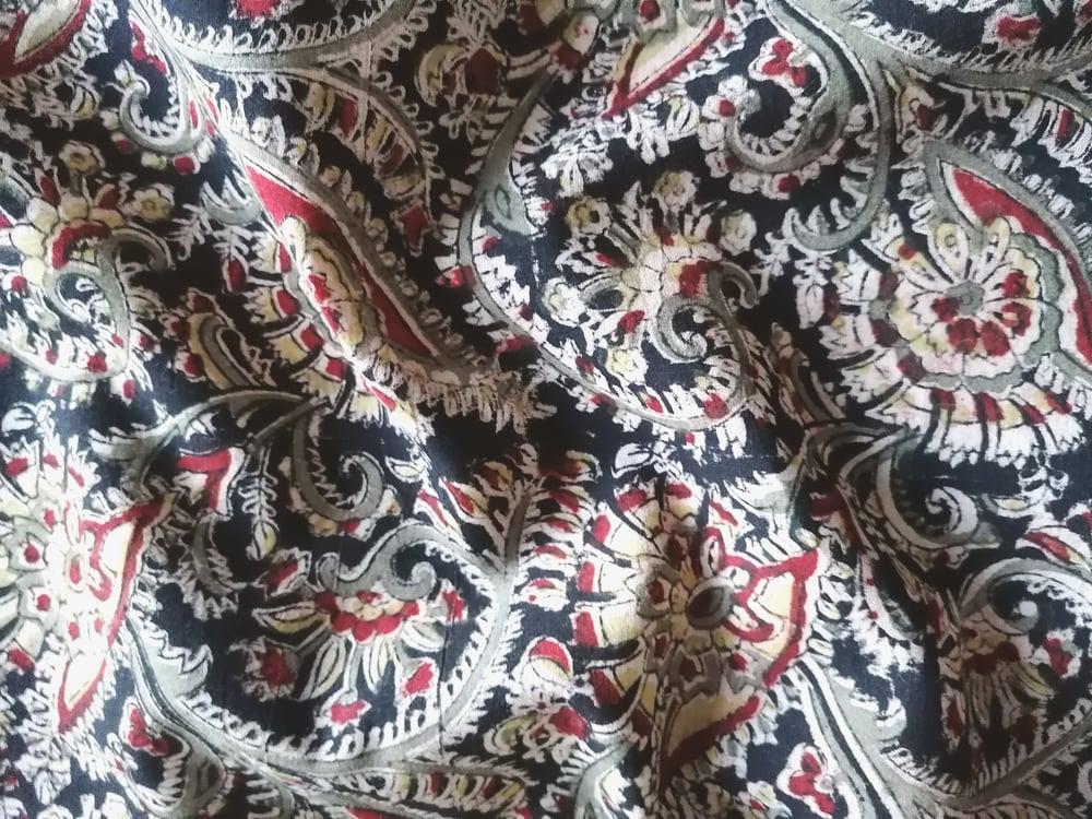 Image of Namasté fabric kalamkari fond noir