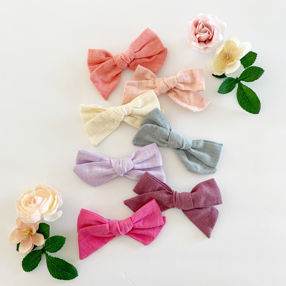 Image of Springtime Linen Bows